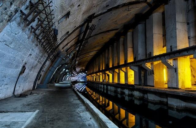 База подводных лодок в Балаклаве